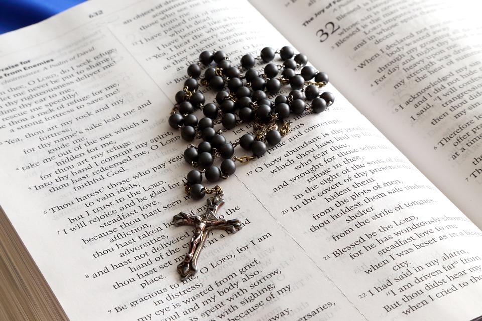 Bijbel en Rozenkrans