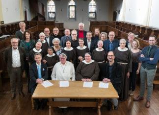 Clarissen Megen Nederland, Megen, ondertekening van verklaring van overdracht met de provincie en andere partijen.