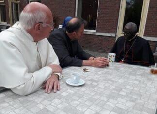 Kardinaal Robert Sarah in gesprek