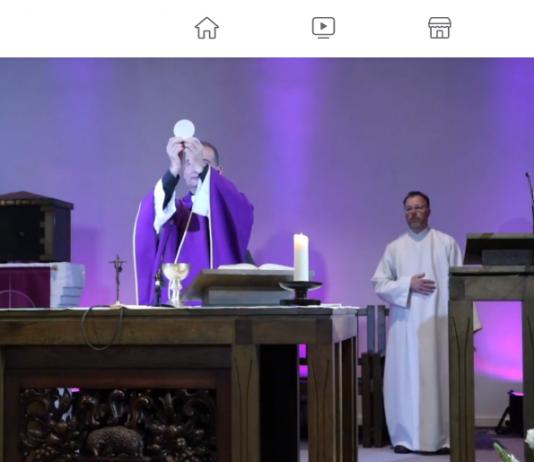 Viering mediapriester Roderick