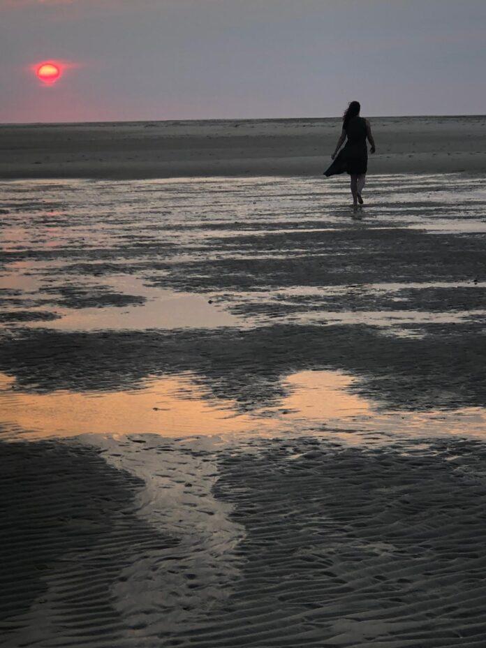 Marieke op het strand