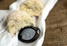 Brood en steen met vis