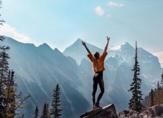 Meisje in de bergen